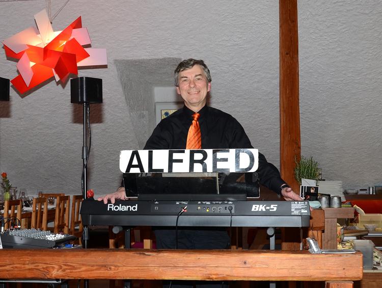 Dinnermusik mit ALFRED PERTL beim Wachauer Gourmetfestival beim Graben Gritsch in Spitz an der Donau