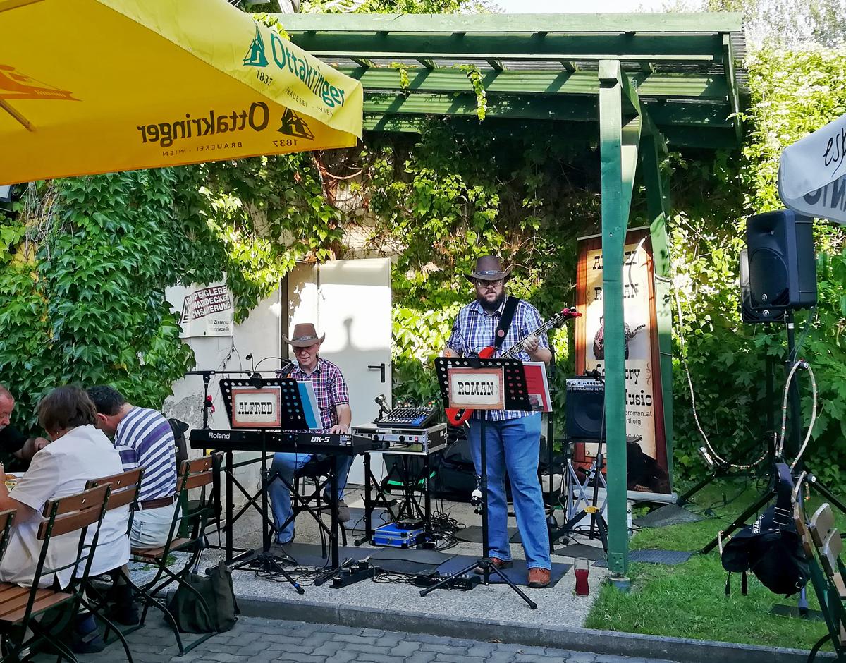 ALFRED und ROMAN beim ÖKB Sommerfest in Harrys Wirtshaus in Kleinengersdorf (Foto Bianca Reicher)