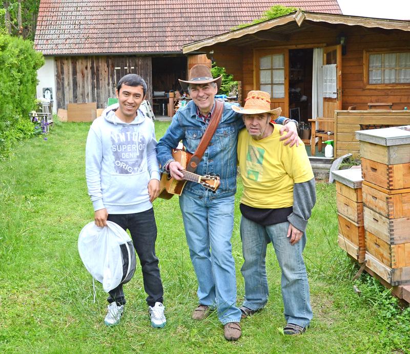 """Tag des offenen Bienenstock in Spillern beim """"Fröhlichen Imker"""" Anton Fröhlich"""