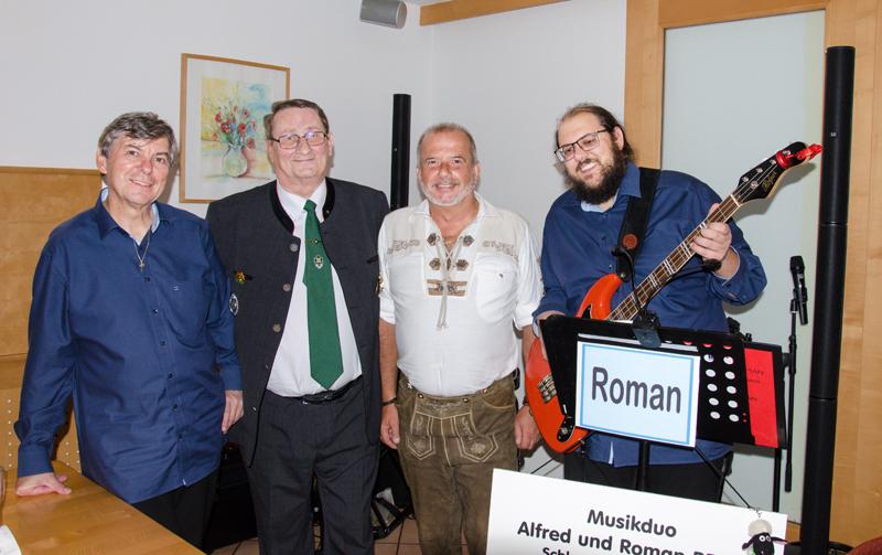 Von links: Alfred Pertl, Präsident Marinekameradschaft Kaiserin Elisabeth Ludwig Brunner, ÖKB-Korneuburg-Obmann Wolfgang Schaffer und Roman Pertl